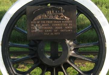 Monument to the First Train Robbery in the West