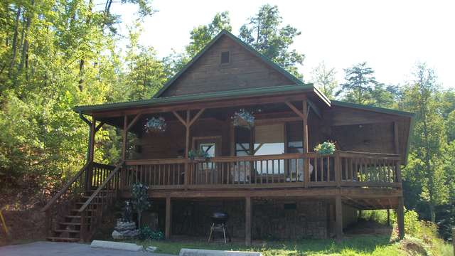 Mountain View Cabin Rentals Tellico Plains Tn Roadtrippers