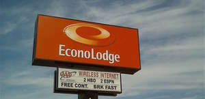 Econo Lodge At Six Flags