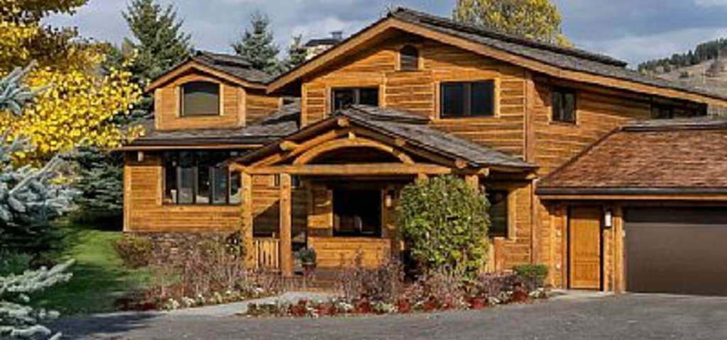 Dragonfly lodge in jackson hole a stately log home with wifi game dragonfly lodge in jackson hole a stately log home with wifi game room views jackson roadtrippers publicscrutiny Images