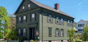 Lizzie Borden's Bed & Breakfast / Museum